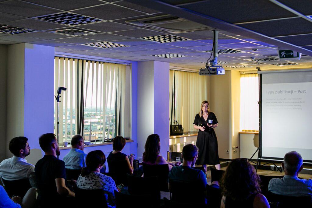 Dagmara Pakulska - prezentacja podczas LinkedIn Local Łódź